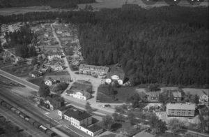 Flygbild över Valskogs samhälle.